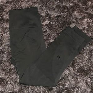 "Lululemon Zone In Crop 21"" Leggings"